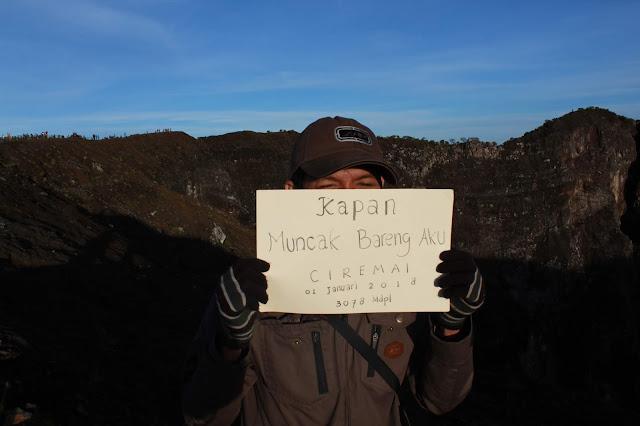 Puncak Gunung Ciremai 1 Januari 2018
