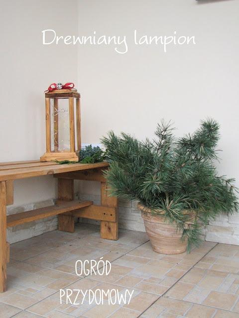 drewniany lampion, lampion z drewna, ogród przydomowy, dekoracja ogrodowa, dekoracja do ogrodu