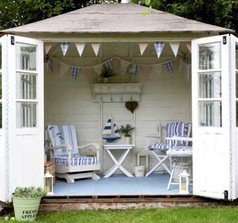 Featured On Beach Yard Design Ideas This Nautical Seaside Escape Offers A Lovely Place To Chill It Reminds Me Of The British Huts