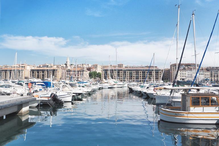 Le long du vieux port de Marseille