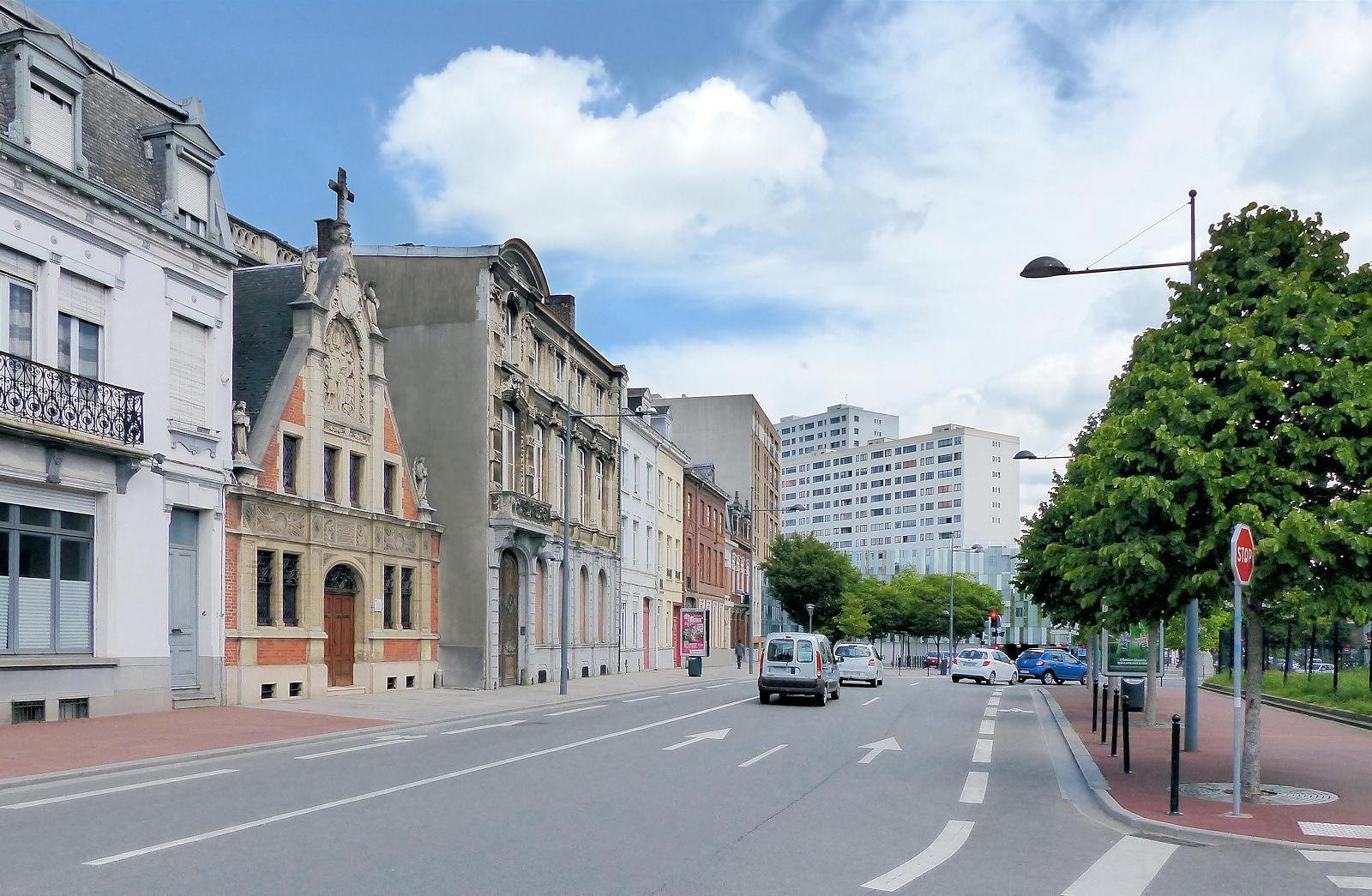 Rue Faidherbe, Tourcoing - Chapelle du Voeu.