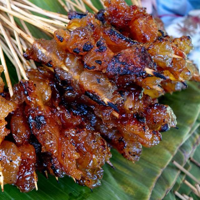 Menyantap Sate Kere Khas Pasar Beringharjo Malioboro
