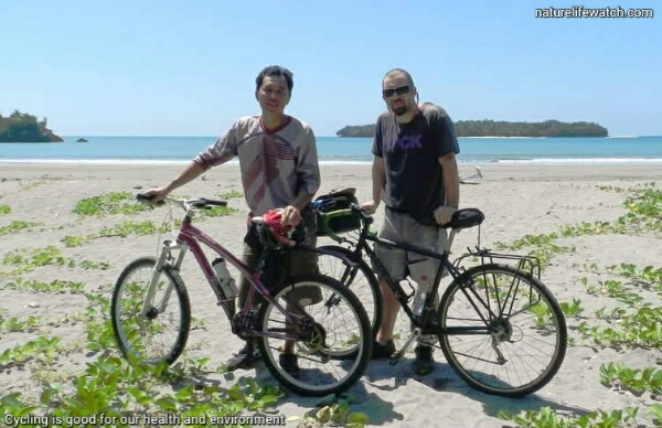 Wisata sepeda gunung di Manokwari