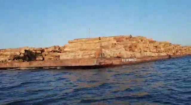 Marinha é acionada para interceptar comboio com toras de madeiras do Arapiuns