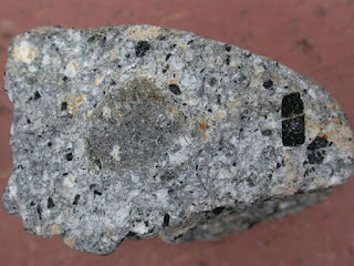 Ciri Fisik Batuan Beku, Sedimen dan Metamorf