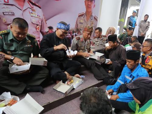 Makan Bersama di Polrestabes Bandung