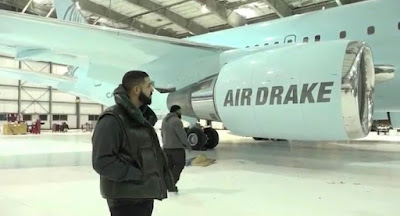 DRAKE FLOATS NEW AIRLINE TAGS IT AIR DRAKE - INFOMANIAC.CLUB