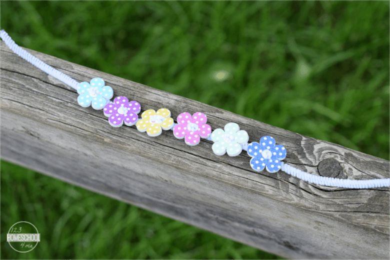 button bracelet craft  - summer camp craft for kids