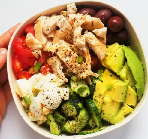Healthy Avocado Chicken Salad Recipe | Low Carb + Meal Prep Option #healthy #lunch