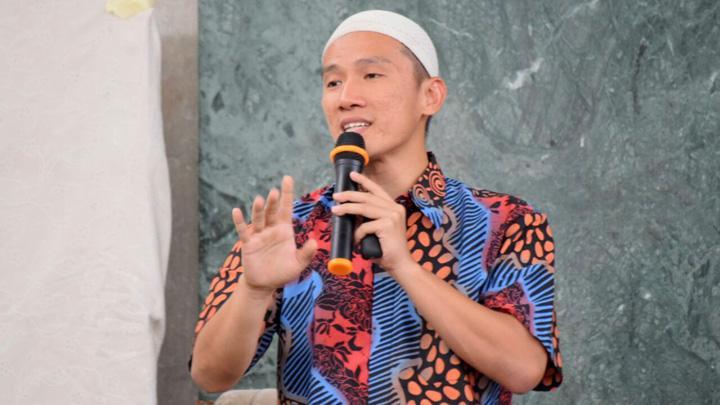 Sindir Hendropriyono, Ustadz Felix Siauw: Orang Primitif Otaknya Tak Berkembang Cuma Mikirin Kelompoknya Sendiri!