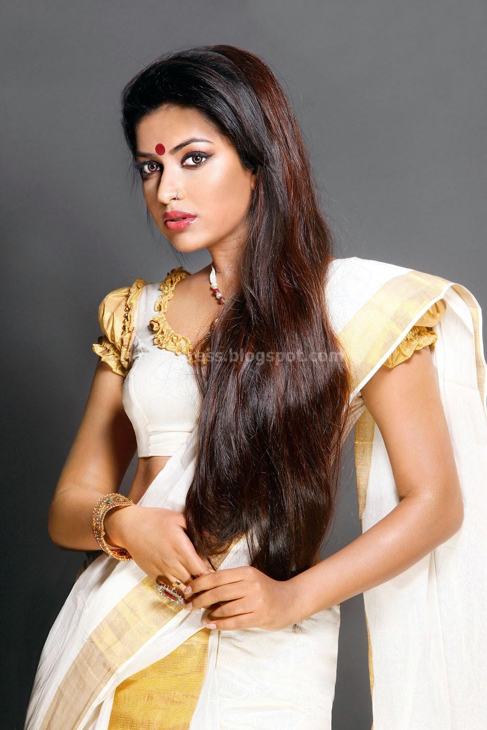 Amala paul latest saree photos