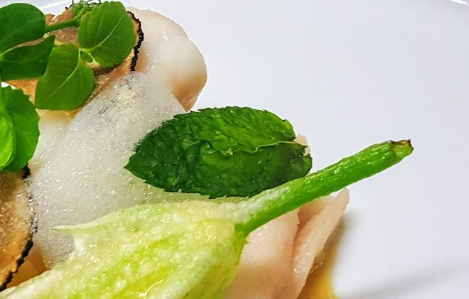 Chips d'herbes ou d'ail au micro-onde