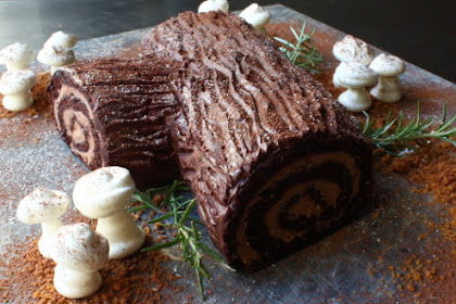 Chocolate Yule Log – This Bûche de Noël Only Looks Difficult