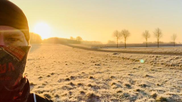 morgensol og frost på ådals-etapen af landsbyvandreruten