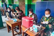 Dukung Program Sejuta Vaksin Perhari, Koramil 04/CK Gelar Serbuan Vaksinasi TNI