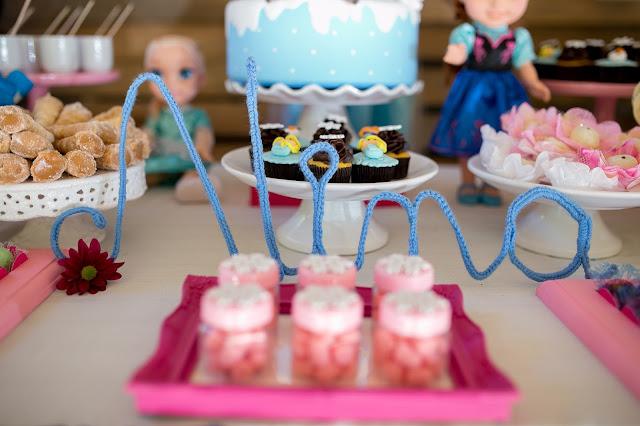Frozen, aniversário, releitura, decoração, diy, faça você mesma, inspirações, tema frozen, ideia criativas, letra, lã, família de arteiras