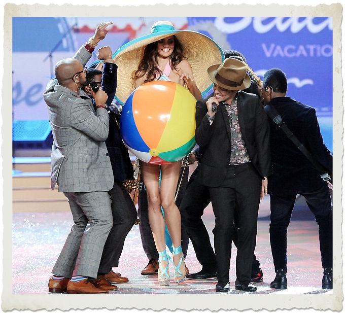 Bruno Mars al Victoria's Secret Fashion Show 2012