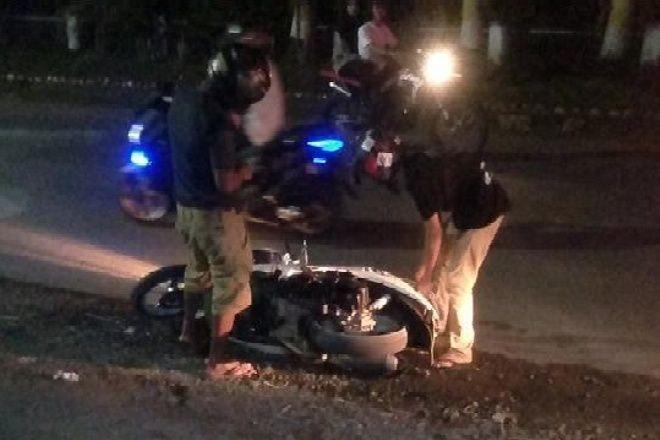 Gara-gara Pasir, Pemotor Berjatuhan di Jalan Wahidin