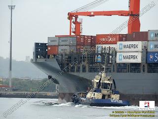Maersk Bermuda e Svitzer Zoe