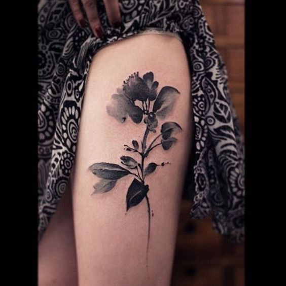 awesome watercolor thigh tattoos