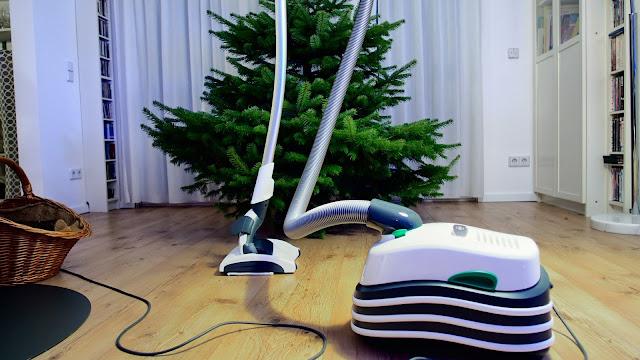 unser weihnachtsbaum und der vorwerk kobold vt300 simply the best zum fest atomlabor blog. Black Bedroom Furniture Sets. Home Design Ideas