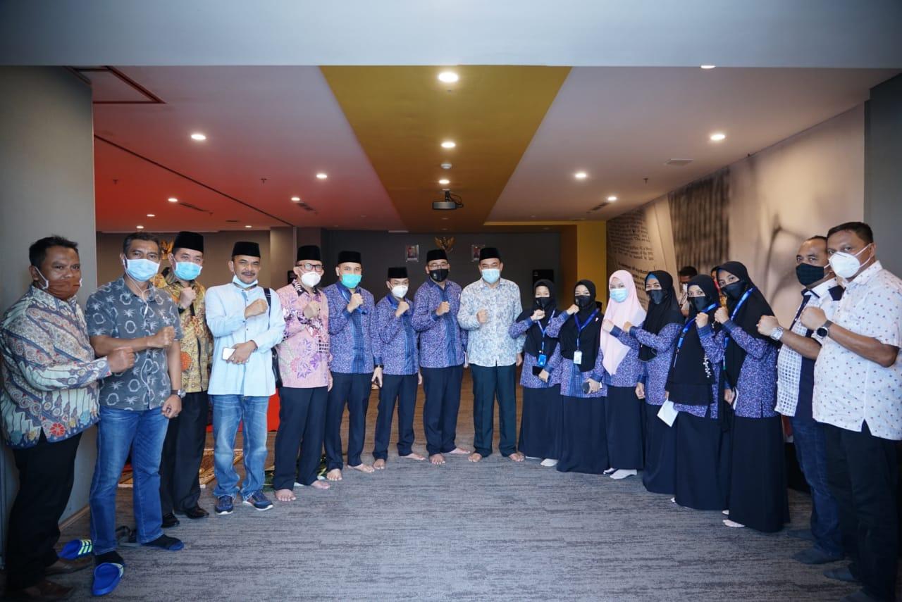 Beri Motivasi, Gubenur Sumut Bersama Walikota Tebing Tinggi Kunjungi Kafilah MTQ Nasional Asal Sumut di Padang