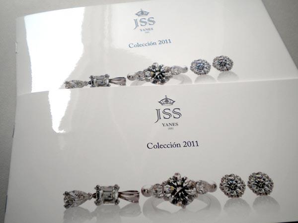 20 Elegant Jewelry Catalogue & Brochure Designs - Jayce-o ...