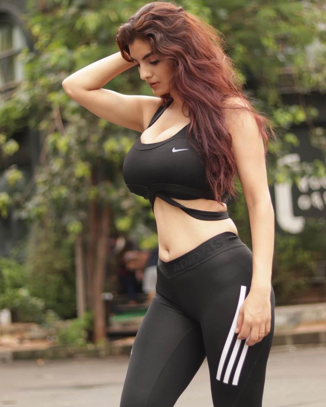 Anveshi Jain Sexy Photos