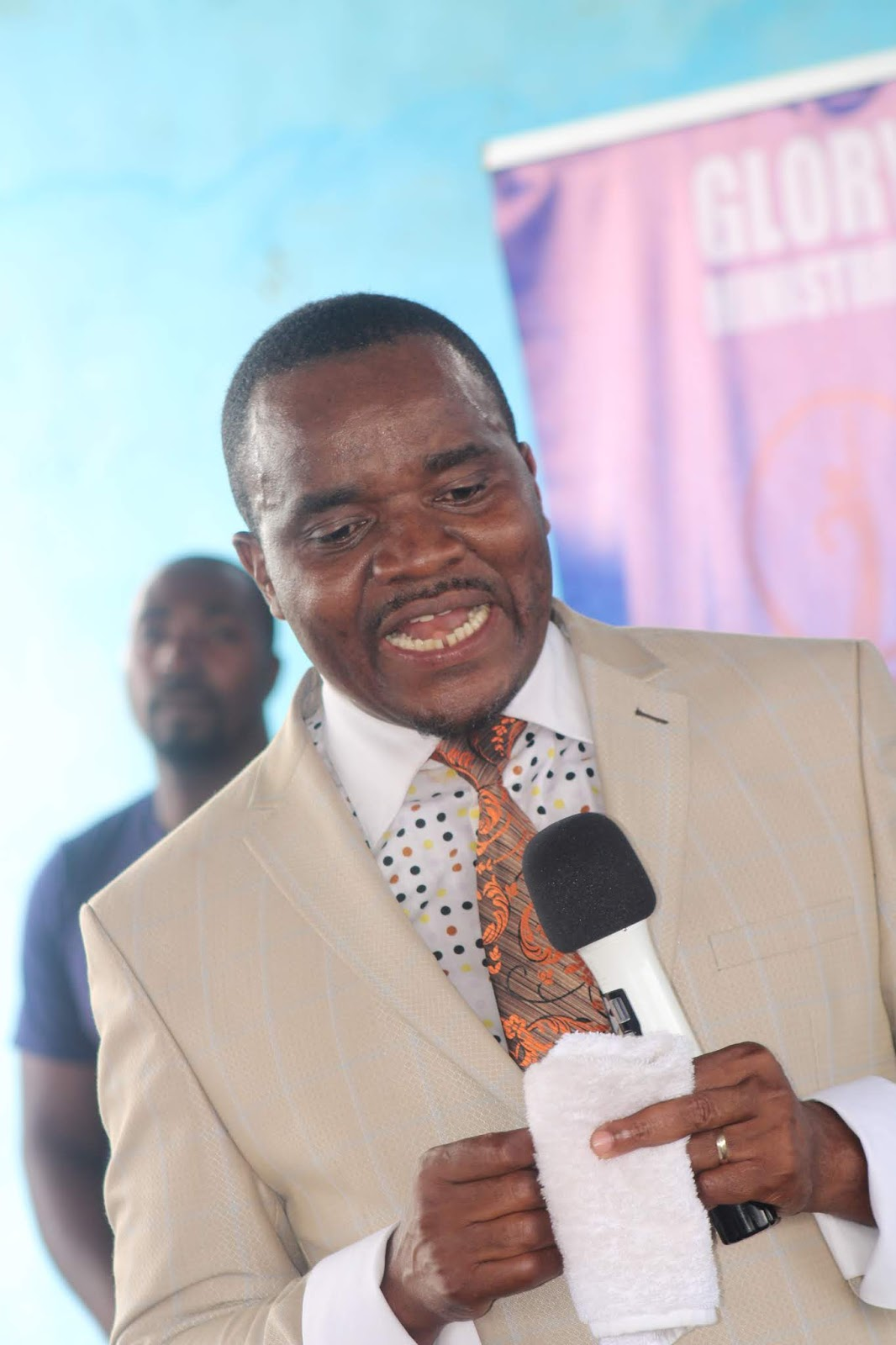 Bishop Never Muparutsa Biography and Ministry - Pentecostal Assemblies of Zimbabwe (PAOZ)