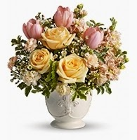 Teleflora's Peaches and Dreams - Valentine's Day 2015 Flowers