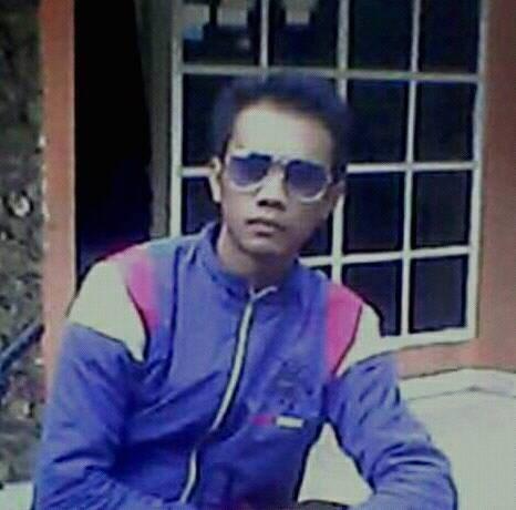 Seorang Pria Di Kiaracondong, Kota Bandung, Provinsi Jawa Barat Sedang Mencari Jodoh Pasangan Wanita Untuk Dijadikan Sebagai Calon istri