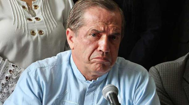 Ricardo Patiño no puede pagarfianza 50 mil dólares
