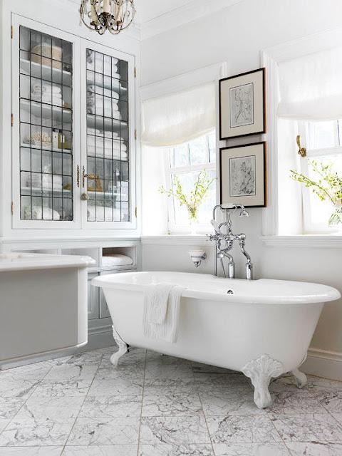 พื้นห้องน้ำ White bathroom