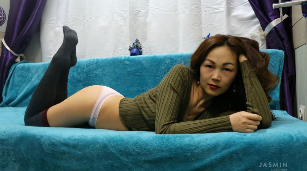 KoreanOwn Model GlamourCams