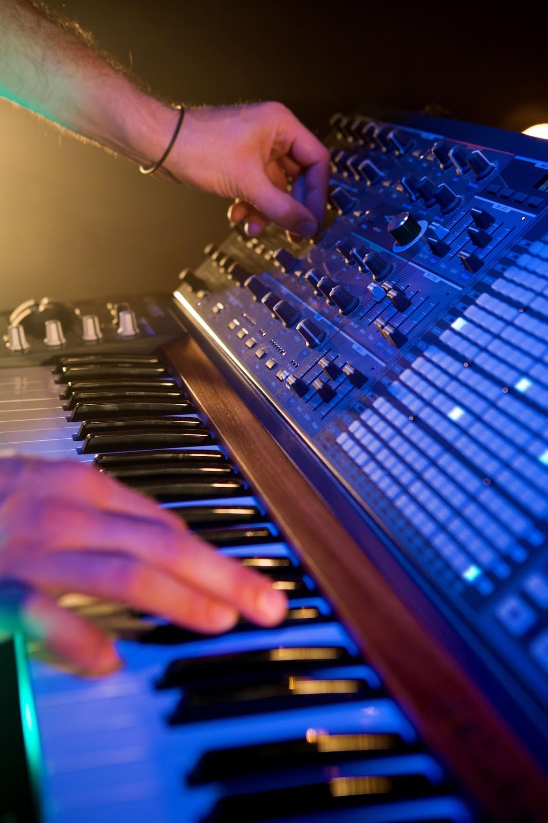The Synthesizer Sympathizer