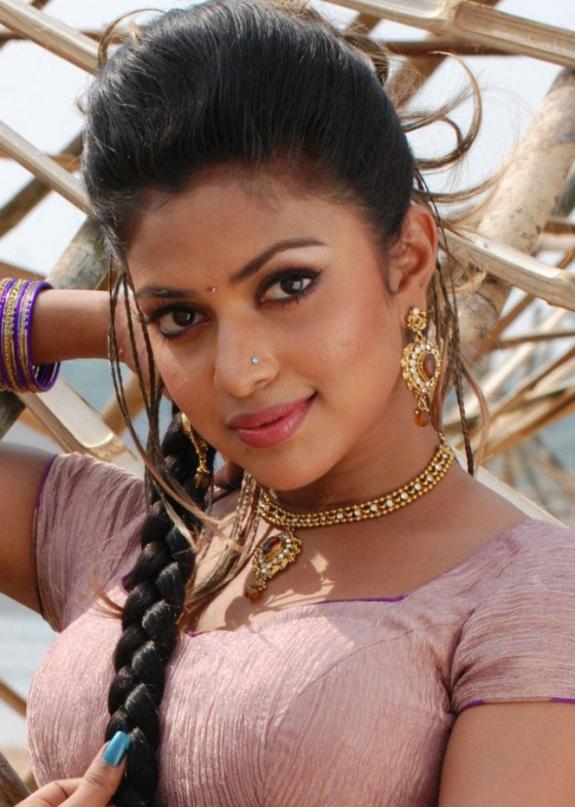 amala paul in vettai tamil movie hot photos
