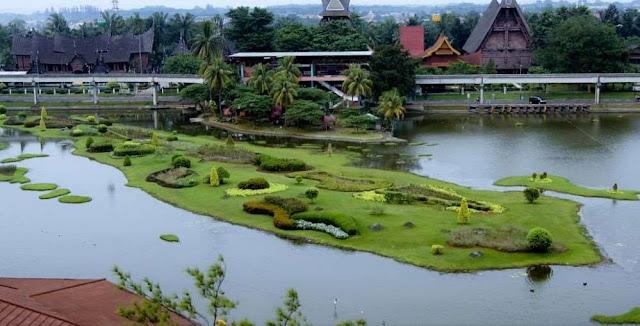 Taman Mini Indonesia Indah (TMII)