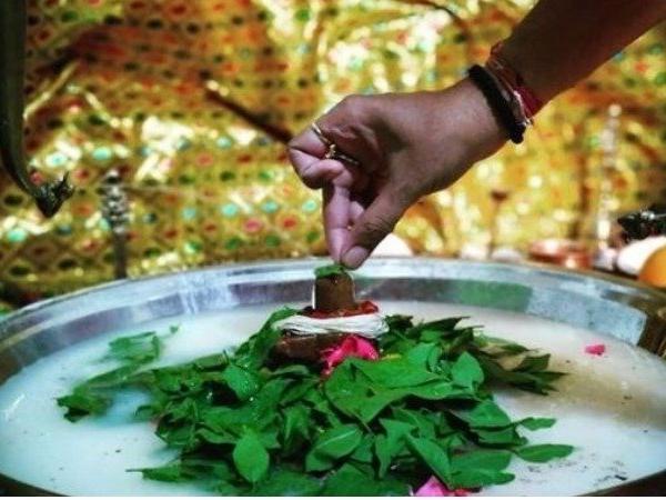 सोमवार के टोटके : सुख और धन की अपार प्राप्ति के लिए सोमवार के दिन करें ये  उपाय,शिव जी लगाएंगे भक्तों का बेड़ा पार !!