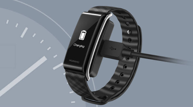 Huawei Band A2 in the Biedronka store. The price is really low