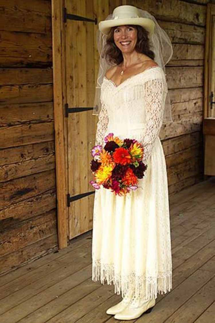 western wedding dresses wmine c0m stmn 3 - Western Wedding Wear Stores