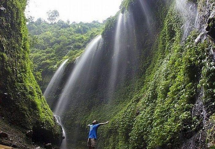Keindahan Air Terjun Madakaripura di Probolinggo