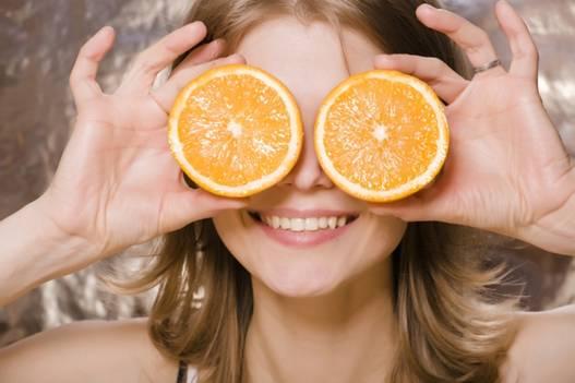 Những tác dụng làm đẹp tuyệt vời từ trái cam