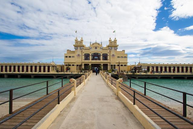 Spiaggia e stabilimento balneare di Mondello-Palermo