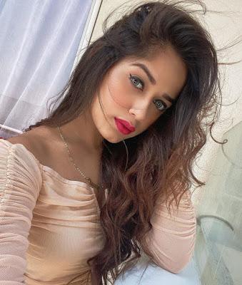 jannat zubair lipstick photo