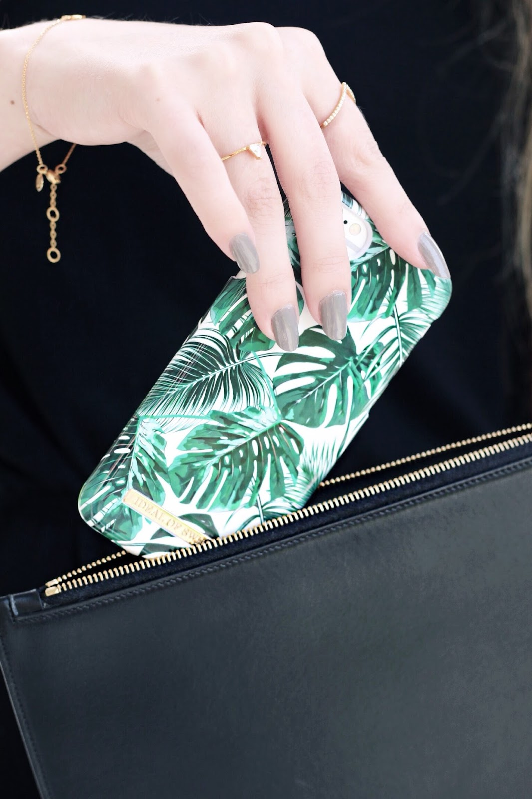 Ideal of Sweden Monstera Leaf Phone Case