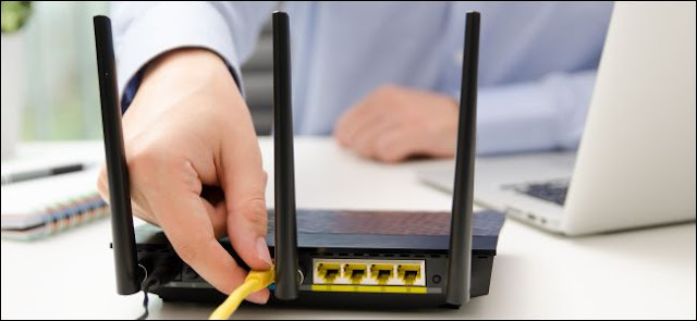 قم بفصل كبل Ethernet من جهاز توجيه Wi-Fi