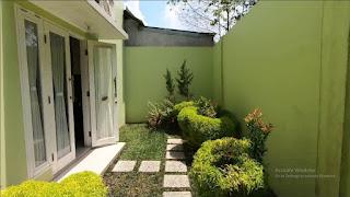 Halaman belakang rumah mewah 2 Lantai ready dan siap huni dekat pintu tol Helvetia Medan - Villa Citra Mandiri
