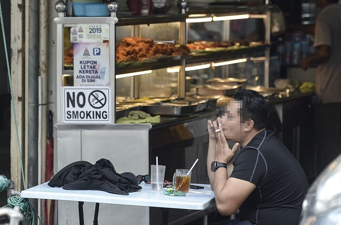 Smokers Who Smoke in restaurant will be jailed up to 2 years and RM10,000 fine