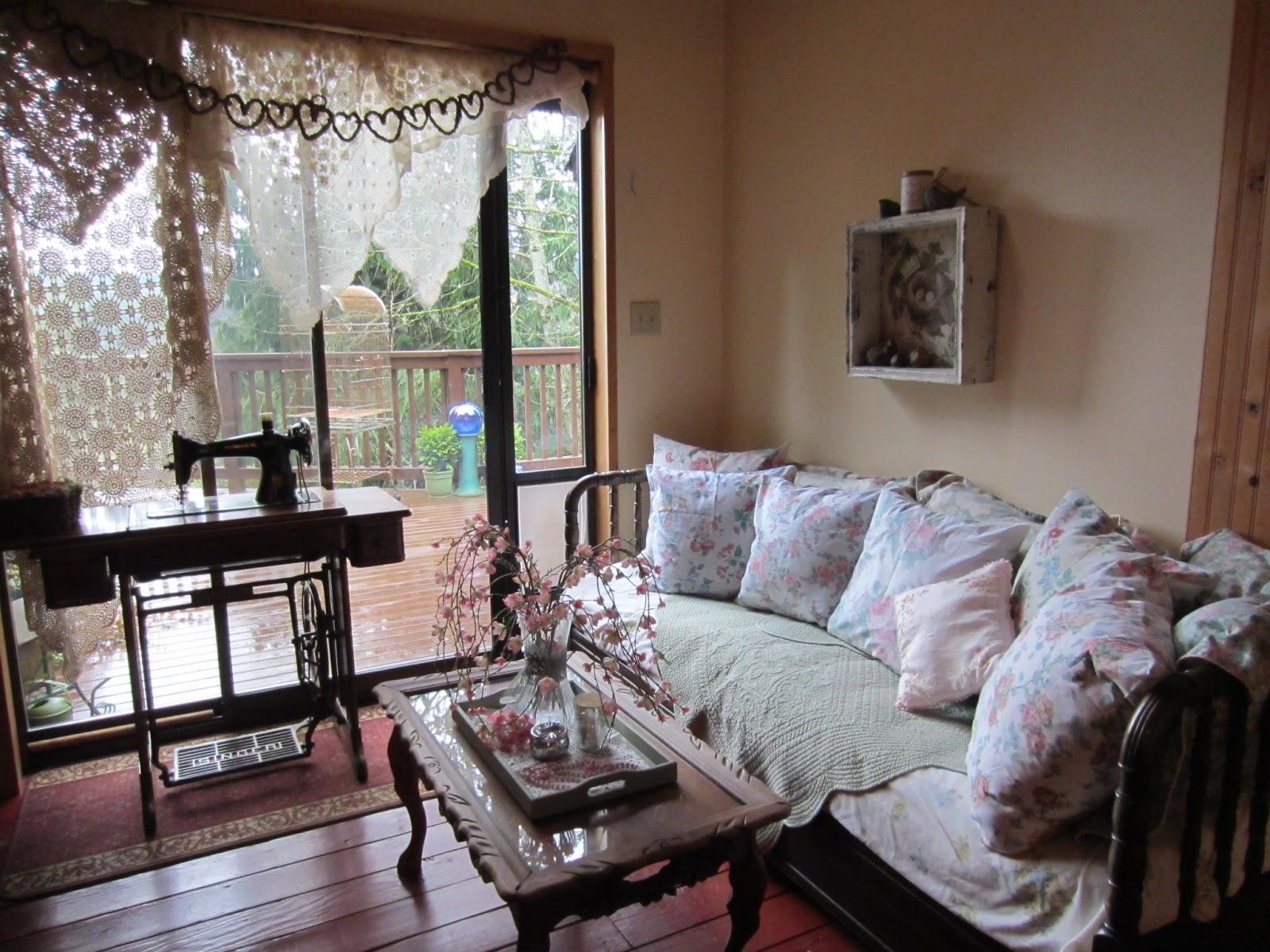 Vintage Cottage Style For Spring