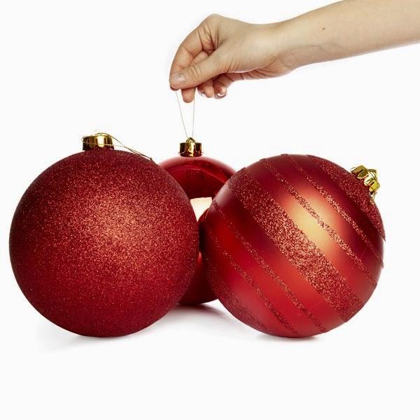 Bolas navideñas en rojo de tamaño grande